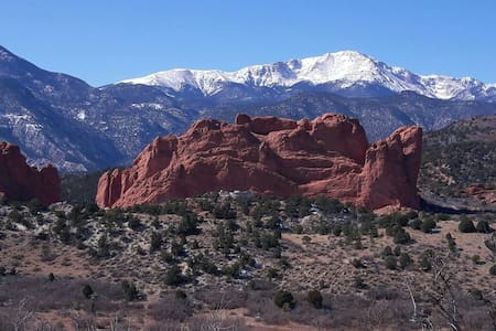 Luxurious Private Suite - Garden of the Gods - Colorado Springs - Maison