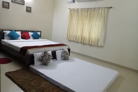 Private rooms in a home stay
