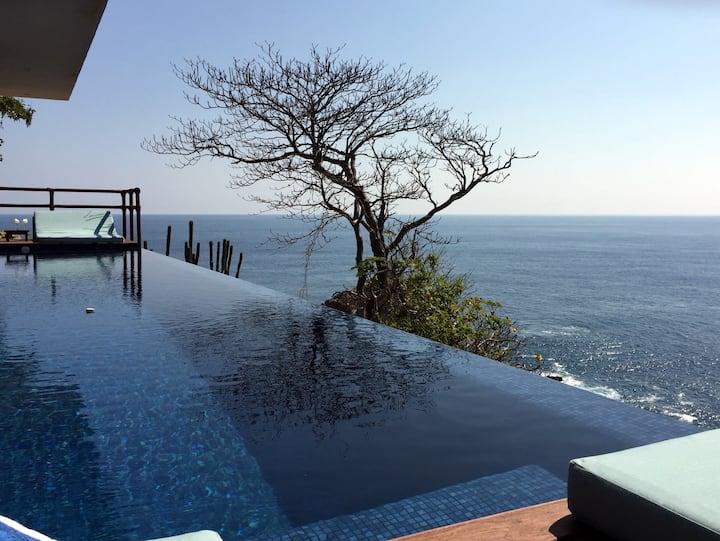 Honeymoon Suite - Ocean view with private pool