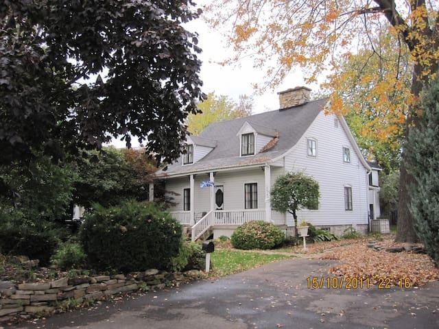 Superbe maison ancestrale - Laval - Maison