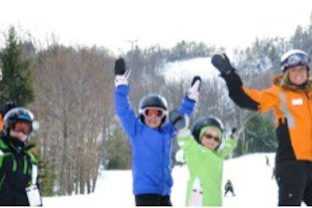 Camelback mountain ( literally next door ) is a large, well equipped Ski area.