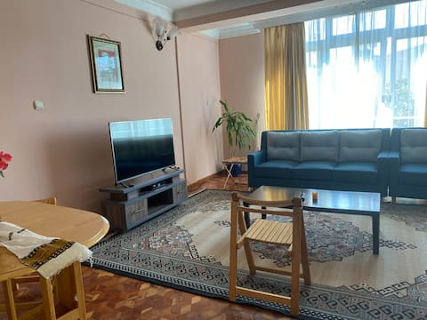 New and Cozy Apartment 15 min from Airport/ pickup