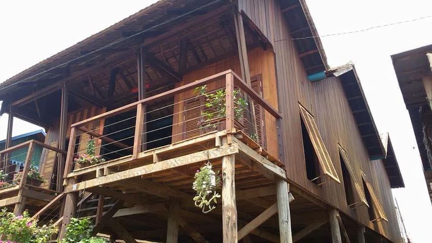 ST 63 Home Stay & Tour Kampong Khleang
