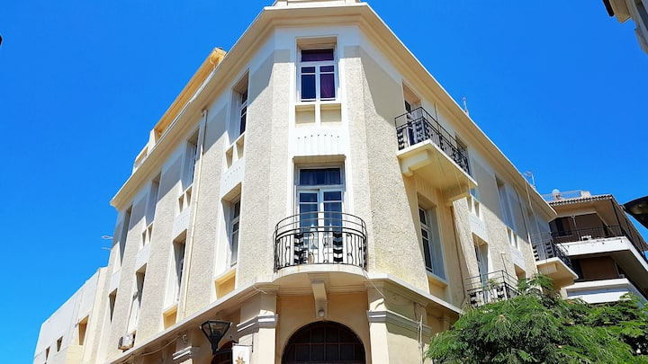 room with dormitories Γεράσιμου Παρδαλη 5 .