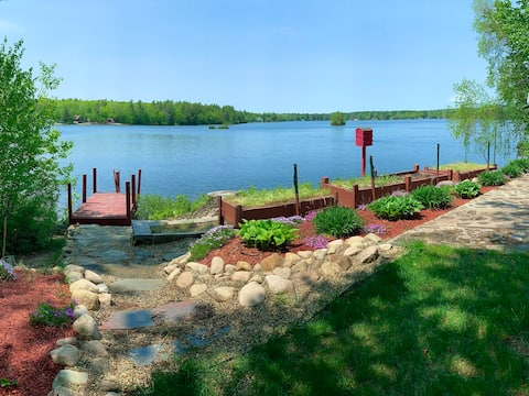 ☀ Lake house with kayaks, pedal boat & SUP board