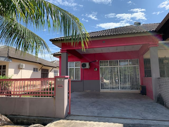 PinkGrey Homestay