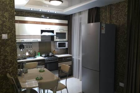 Двухкомнатные апартаменты на Марата 17 - Irkutsk - Byt
