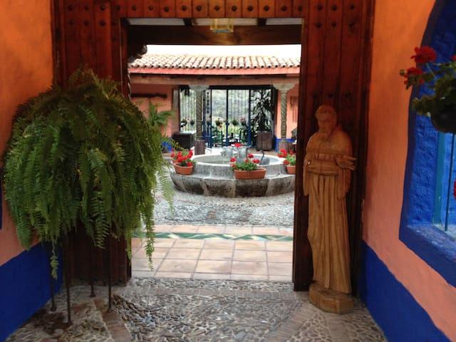 """CASA DE CAMPO a 25 minutos de Chapala, """"LA CAÑADA"""""""