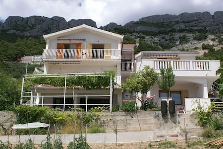 Studio flat with terrace and sea view Pisak, Omiš (AS-2750-b) - Pisak