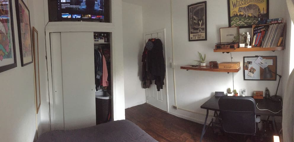 Cozy furnished bedroom in the heart of Bushwick!