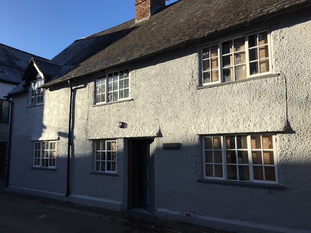 Mill Cottage - The Hotel Architecture - Ruthin - Ruthin