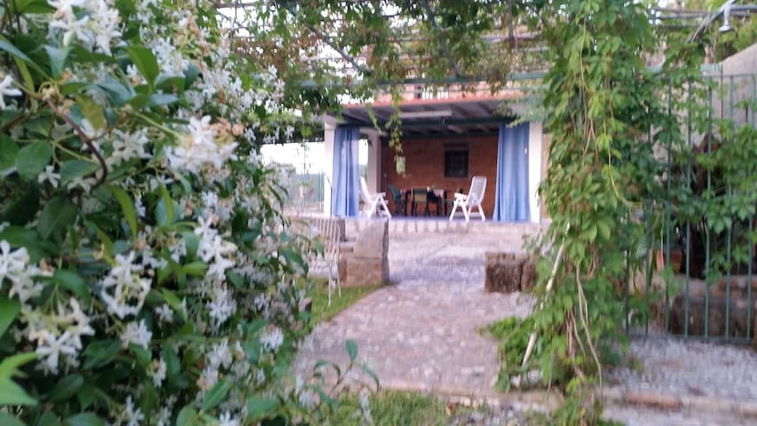 Lovely small farmhouse near Milazzo