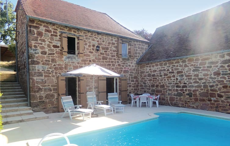 Holiday cottage with 2 bedrooms on 65 m² in Teillots/Puy Redon
