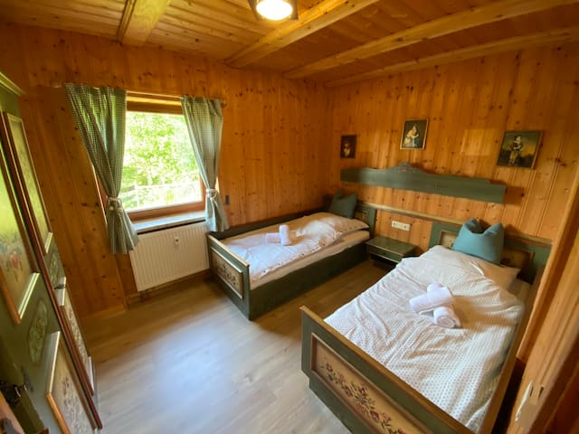 Uriges Schlafzimmer / quaint sleeping room