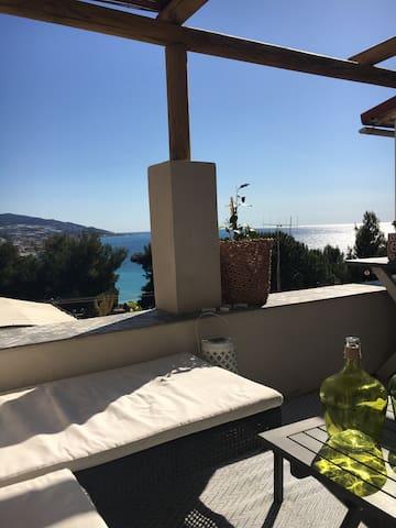 Bussana Sanremo Sea View Charming - San Remo - Huis