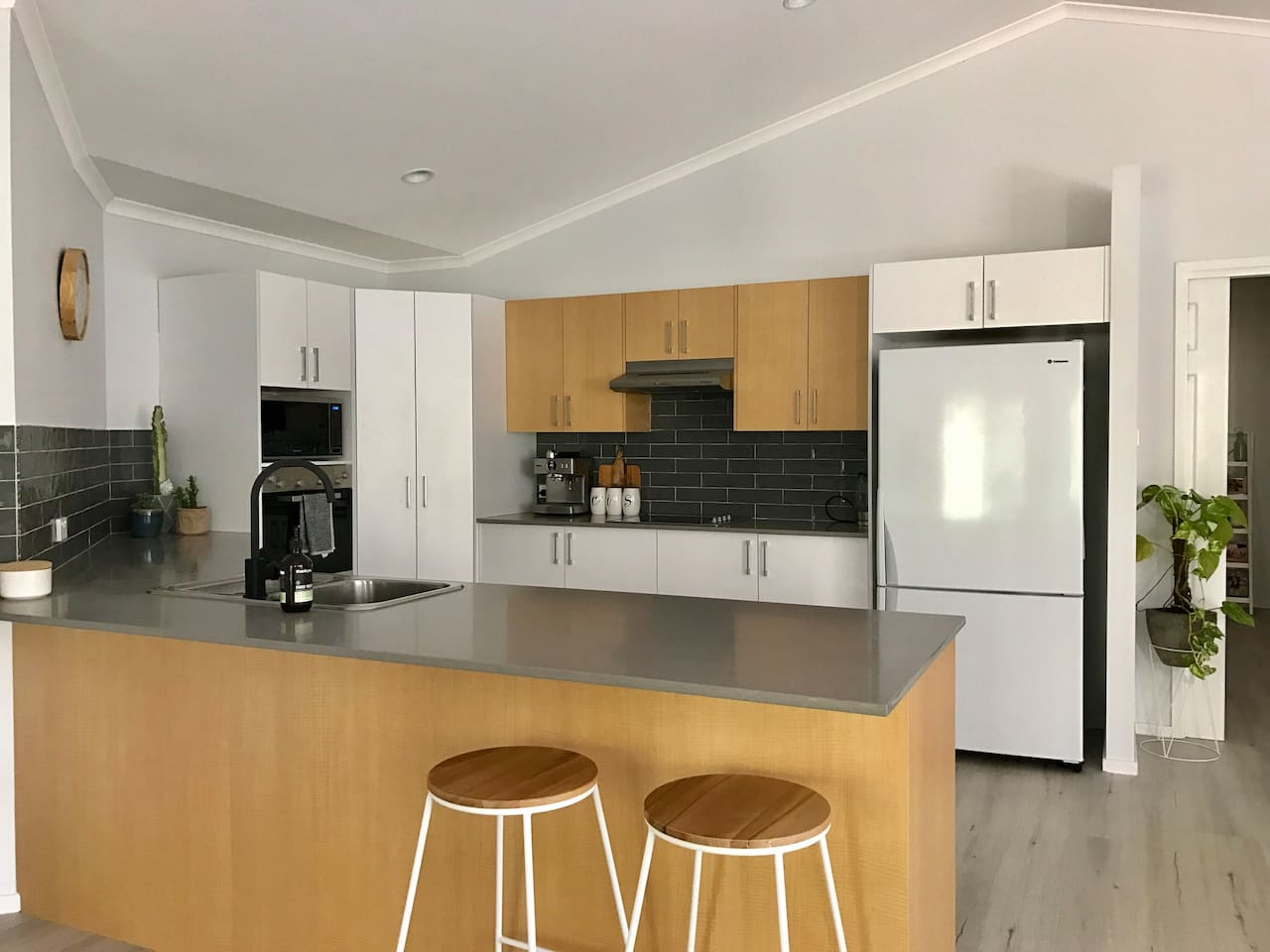 Spaceous, beautiful, freshly renovated kitchen