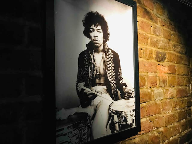 The Hendrix Room (Whole Flat) @ The Troubadour