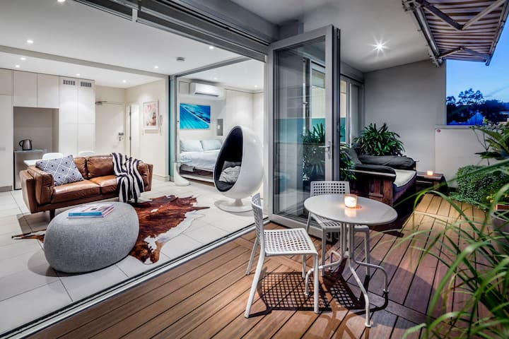 Chic sun filled Bondi Penthouse