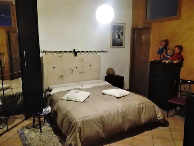 Casa-Vanessa. Camera accogliente con colazione