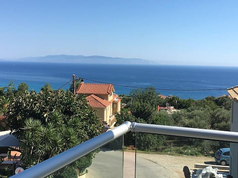 Luxury apartment with sea view at 900 m from beach