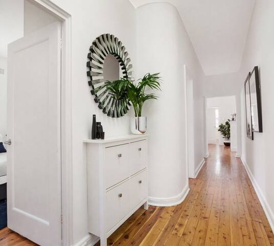Light and bright interiors with original Art Deco features and wooden floor boards