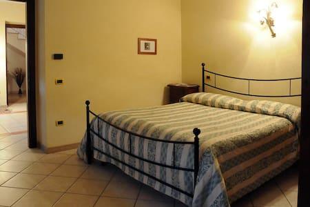 Appartamento in una cantina! - Giano - Apartment