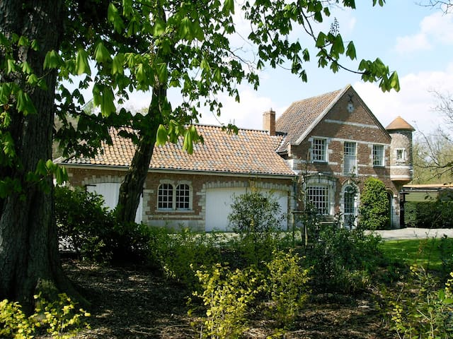 Castle Cottage near Medieval Bruges - Oostkamp - Hus