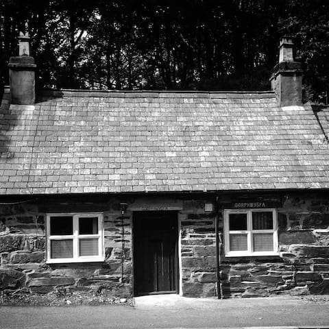 Traditional Welsh Mountain Cottage - Capel Curig - Ev