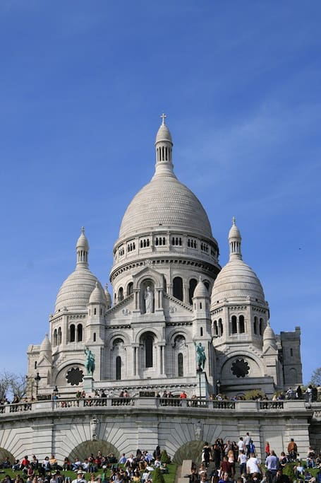 sacré coeur, 10 min walk from the apartment !