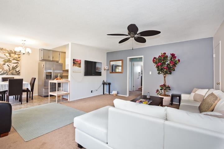 Spacious Downtown 2 bedroom up to 7 - Long Beach - Lejlighed