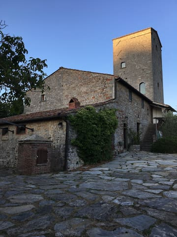 Torre Di Cancelli-historic luxury villa in Chianti