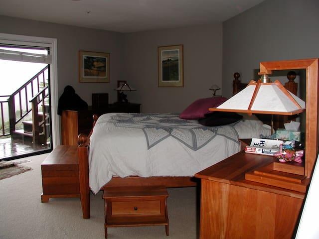 Master Bedroom #4