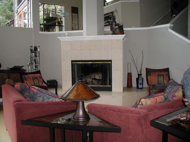 Home in Montclair, Oakland Hills - Oakland - Huis