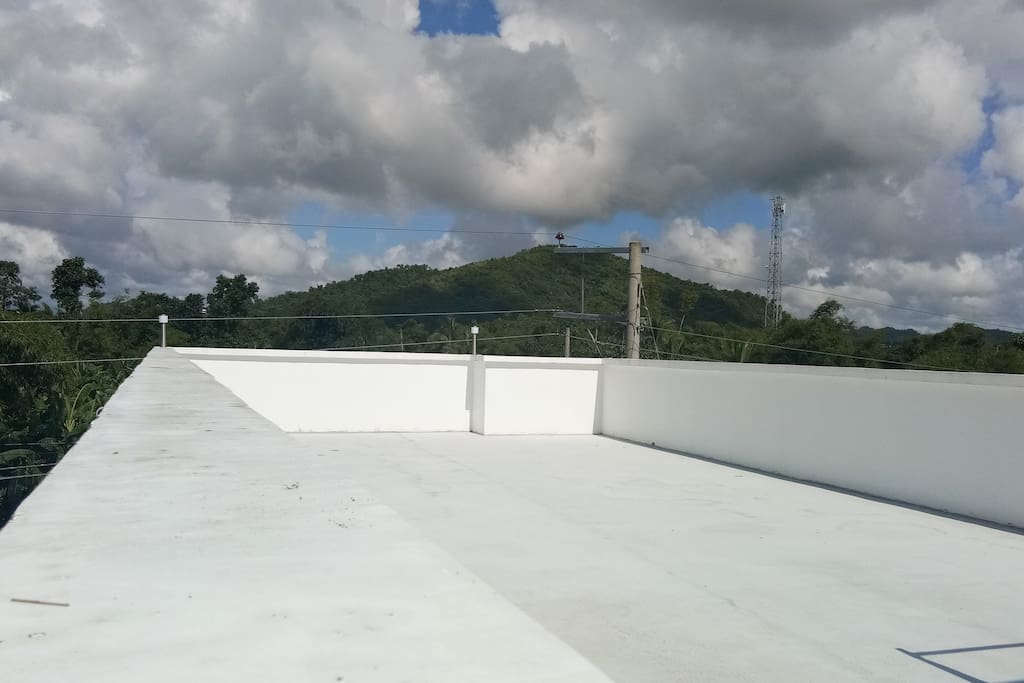 spacious roof deck 90sqm wide for lounge, overnight camping and party area.