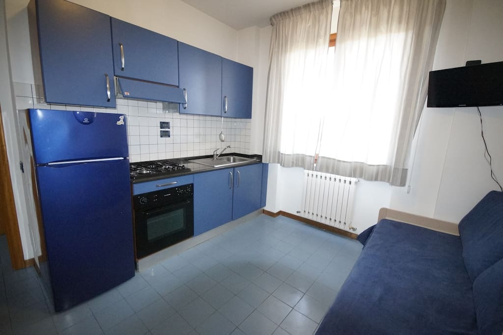 Cucina e soggiorno / Kitchen and living room