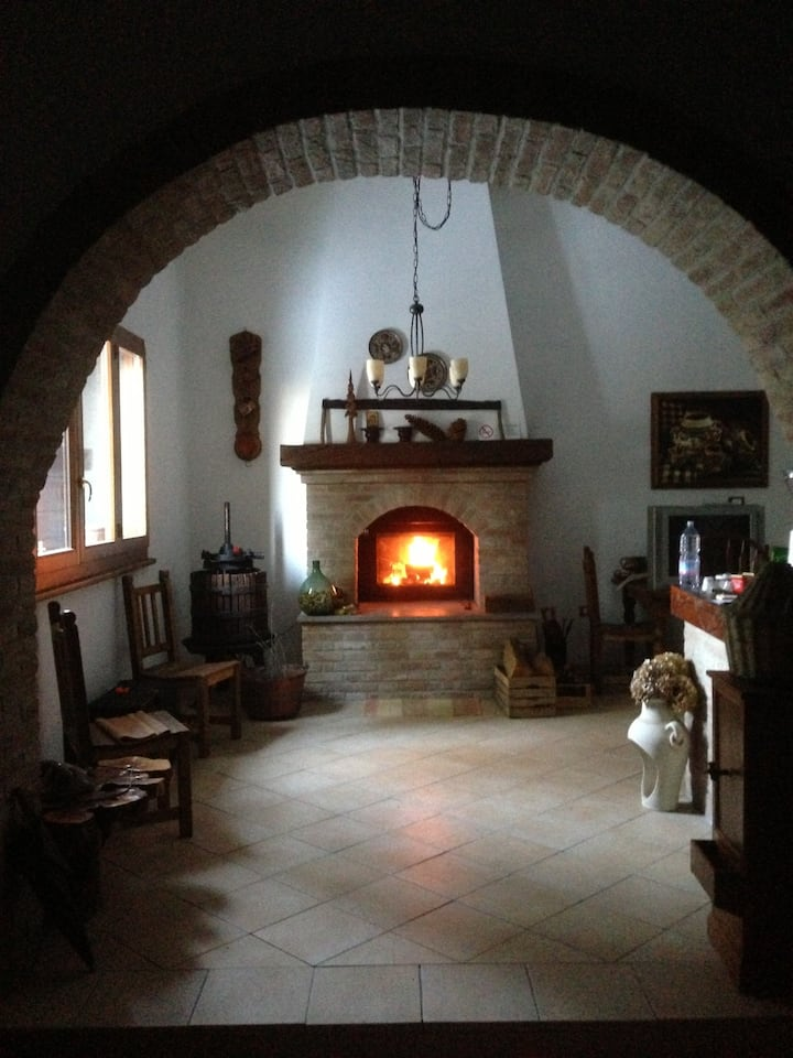 Cozy B&B in Bologna countryside.
