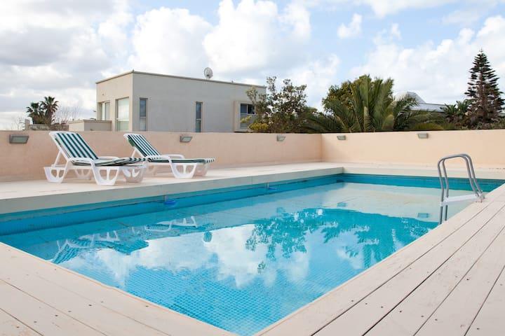 luxury villa in Caesarea