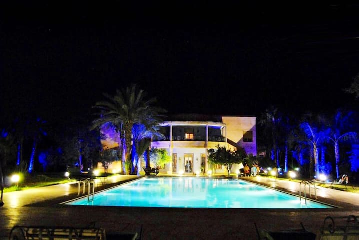 Villa Riad with beautifull garden and private Pool