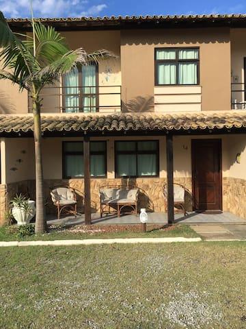 Casa Triplex em Rio das Ostras - em condomínio