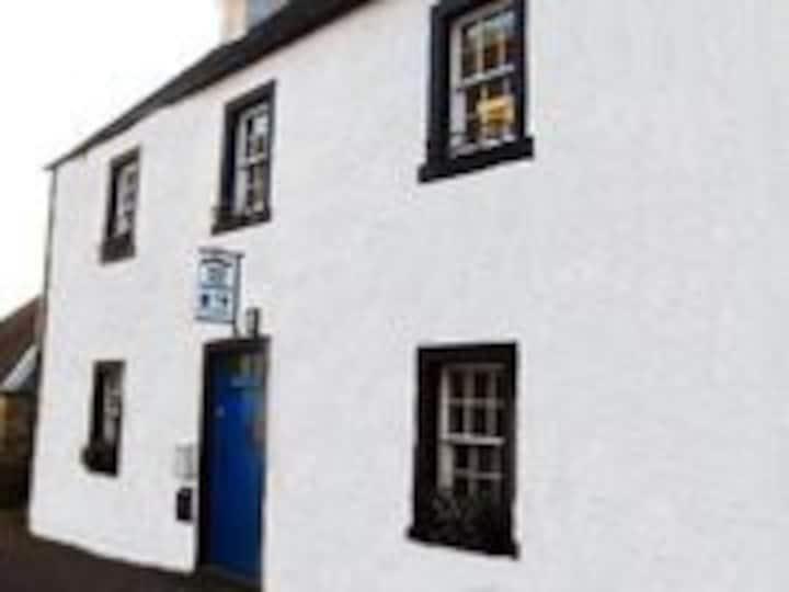 Arkland Cottage, Inveraray, Argyll