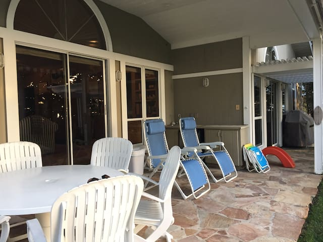 Beautiful gulf front private home - Indian Rocks Beach - House
