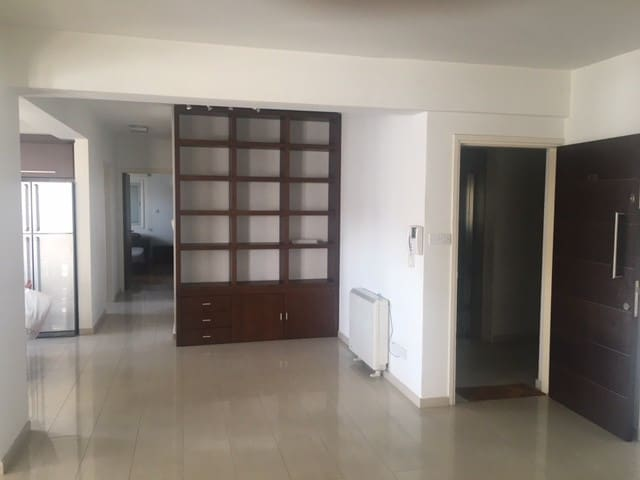 spacious 2BR flat in Acropolis - Strovolos - Apartment