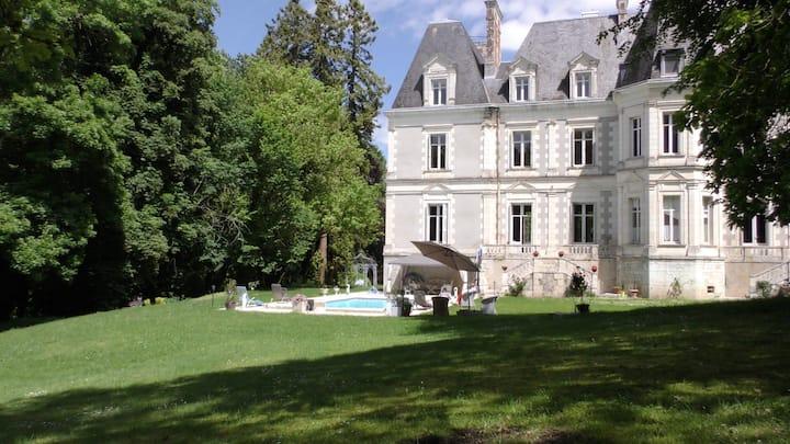 Château de St Bohaire, Blois. Chb Douceur