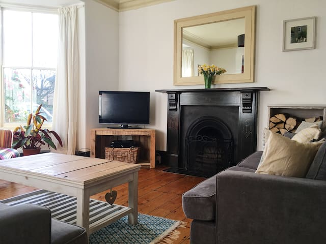 Beautiful Bright and Airy Edwardian Townhouse - Falmouth - Casa