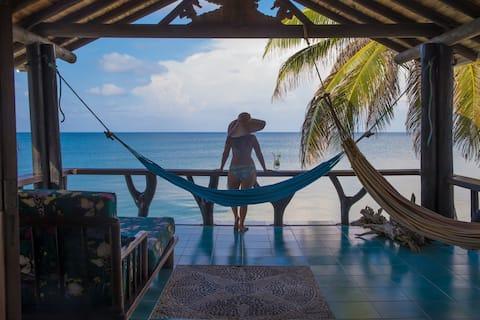 Cabana Sal Si Puedes. Tintipan Island.