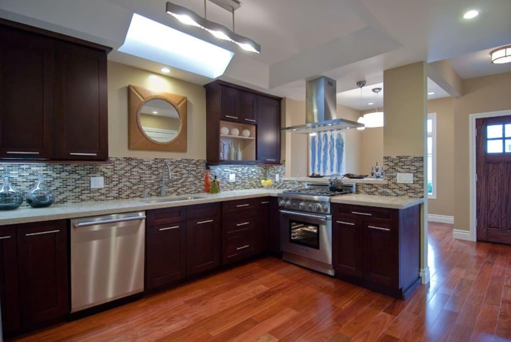 Amazing shared kitchen