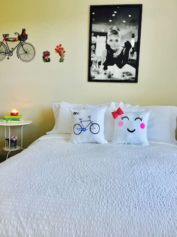 Welcome to our Cozy and comfortable room.!!!