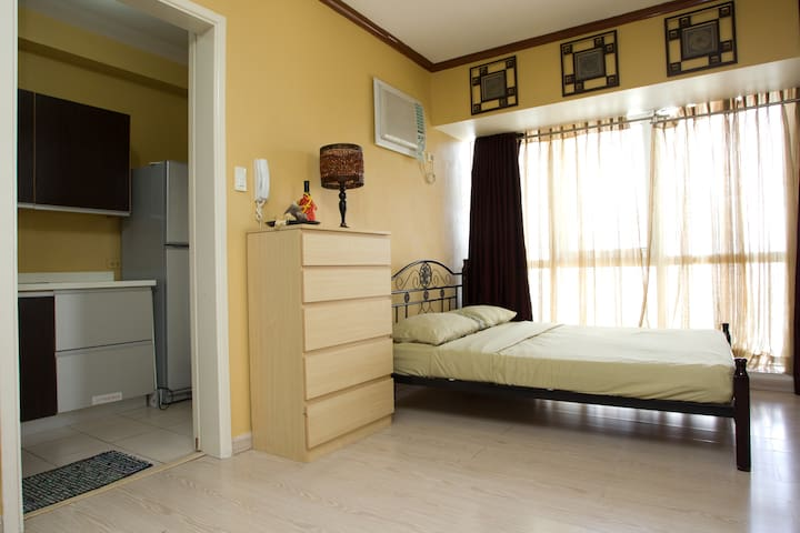 Beautiful SoMa Unit - Heart of BGC - Taguig City - Apartemen