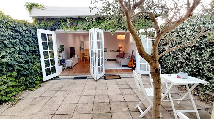 3 bedroom Leichhardt home with sunny courtyard