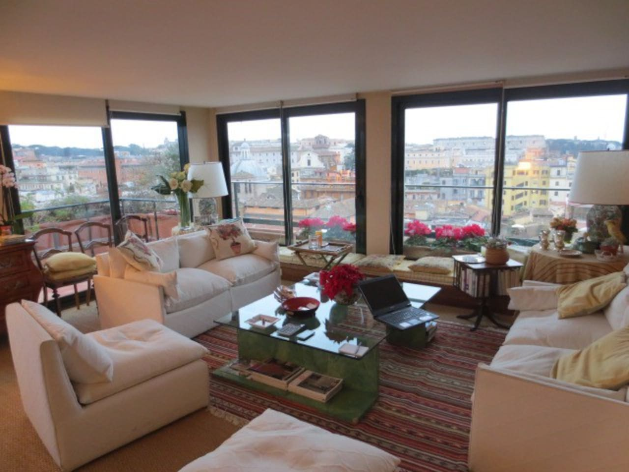 Luxury Penthouse with Coloseum view